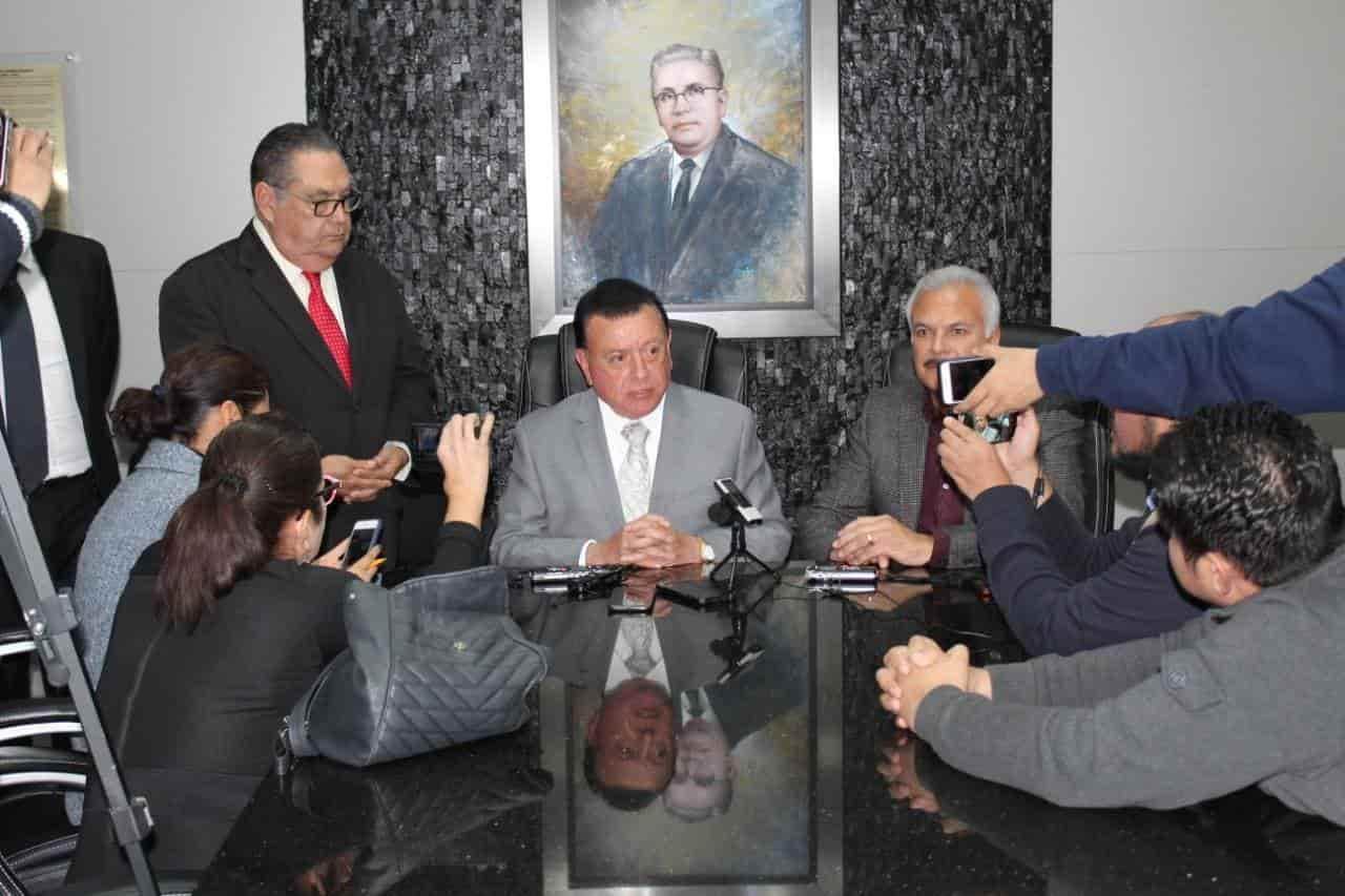 Acude el Fiscal General del Estado Guillermo Ruiz ante los diputados