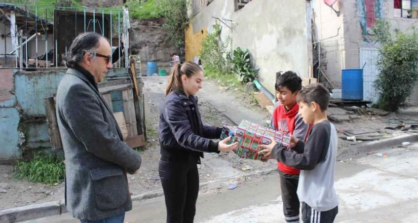 El gobernador Jaime Bonilla envía regalos navideños a dos pequeños  Tejamen