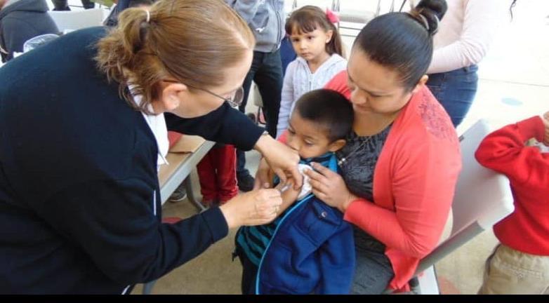 Intensifican vacunación en población vulnerable