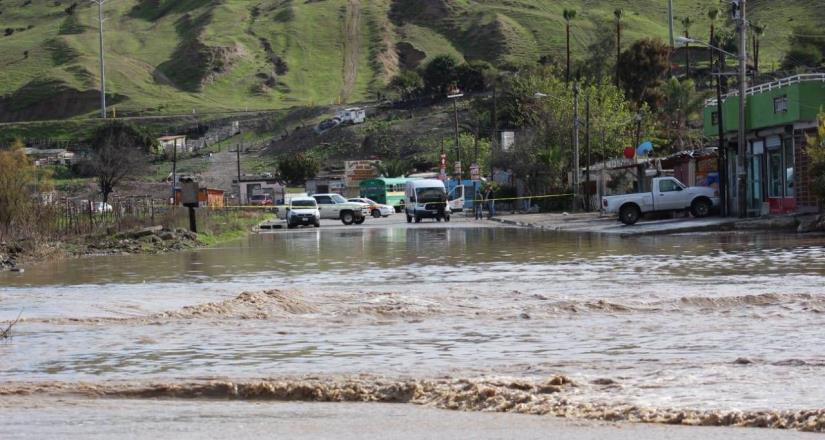 Inundada la calle principal de la colonia Morita I