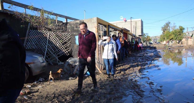 Recorre presidente municipal colonia terrazas del valle tras las lluvias
