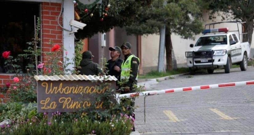 España niega que quisiera facilitar la salida de asilados bolivianos