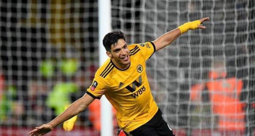Raúl Jiménez a un gol de hacer historia con los Wolves
