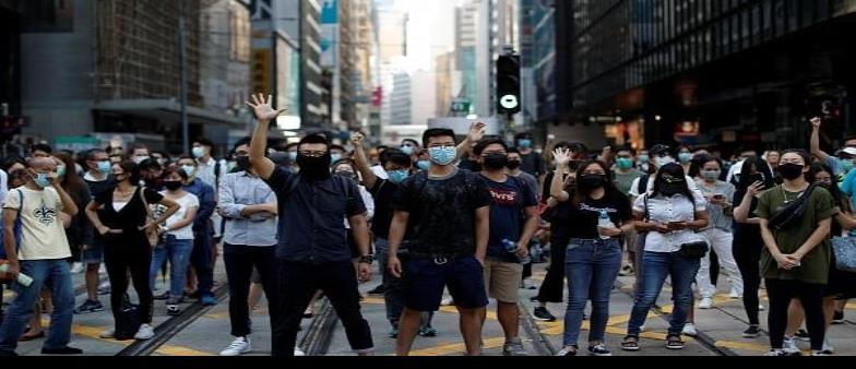Sube tensión en Hong Kong y Medio Oriente