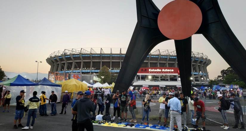 Denuncian asaltos afuera del Estadio Azteca