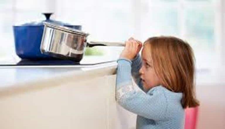 Instan a tomar medidas preventivas necesarias para evitar accidentes en el hogar