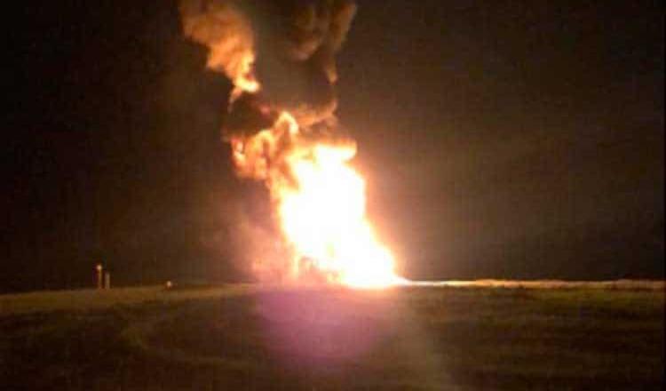 Se registra incendio en ducto de Pemex, en Tijuana