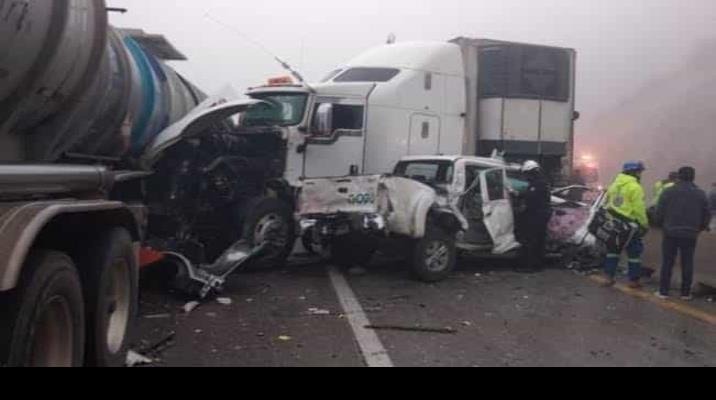 Accidente deja varios heridos en la autopista Monterrey-Saltillo