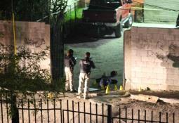 Cámaras de vigilancia captan asalto a una mujer en Lomas de Agua Caliente