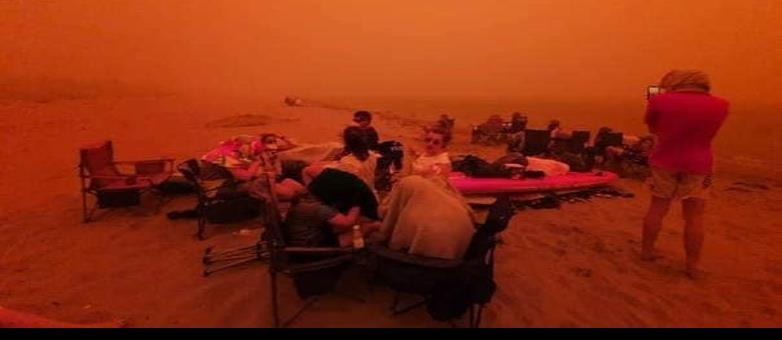 Desalojan a miles por severos incendios forestales en Australia