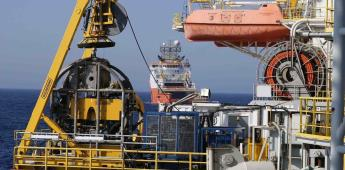 Petróleo sube y mercados caen por pleito EU-Irán