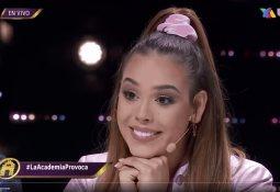 Thalía posa con sandías y usuarios creen que hace burla a Salma Hayek
