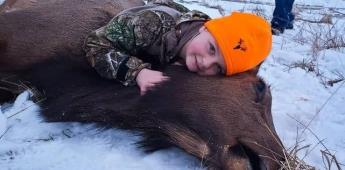 Niña de 8 años rompe récord por matar alce