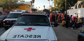 Ocurre choque en el blvd. Sánchez Taboada entre camioneta y taxi, deja 6 heridos