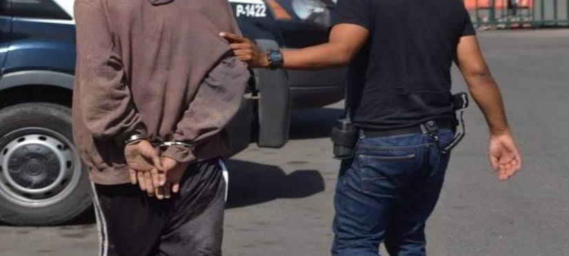 Arrestan a joven con drogas en Camalú