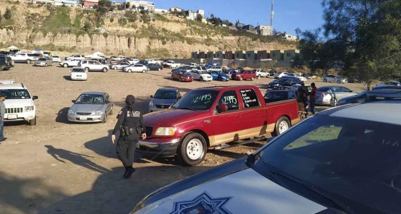 Clausura Ayuntamiento lote de venta irregular de autos en libramiento Rosas Magallón