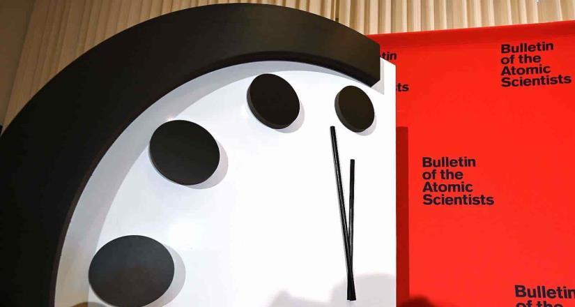 Científicos Atómicos adelantan el Doomsday Clock; 100 segundos para el juicio final