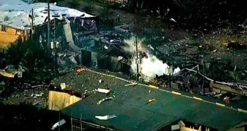 Fuerte explosión en fábrica de Houston deja dos muertos