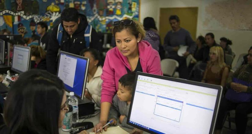Inicia entrega de cartas de notificación a padres de familia de inscripciones a educación básica