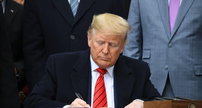Mexicanos pagan por el muro, ya lo verán, afirma Trump