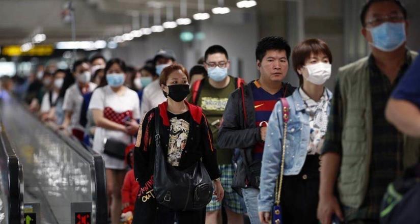 De los 18 mexicanos en China, sólo 4 podrán regresar al país: Ebrard
