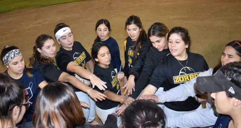 Suma Zorros conquistas en Softbol femenil