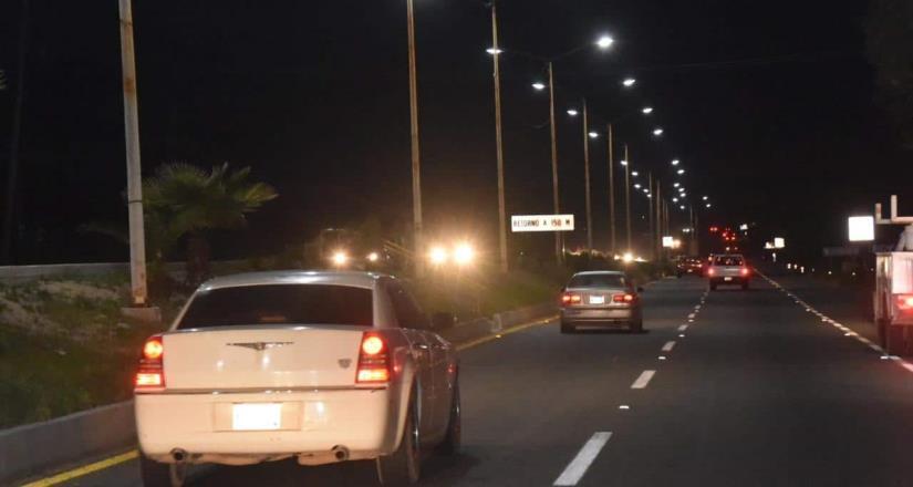 Instalaron alumbrado en la carretera a San Antonio de las Minas