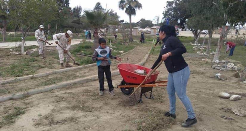 Ofrecen empresarios de El Rosario apoyo en servicios a su comunidad