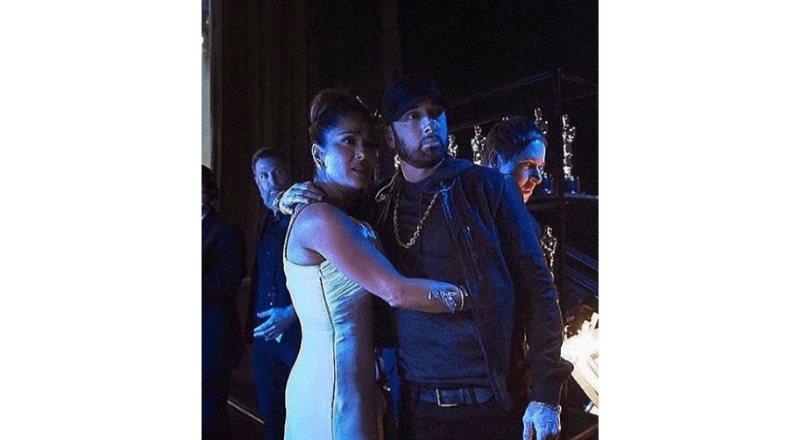 Así fue el momento incómodo entre Salma Hayek y Eminem en los Oscars