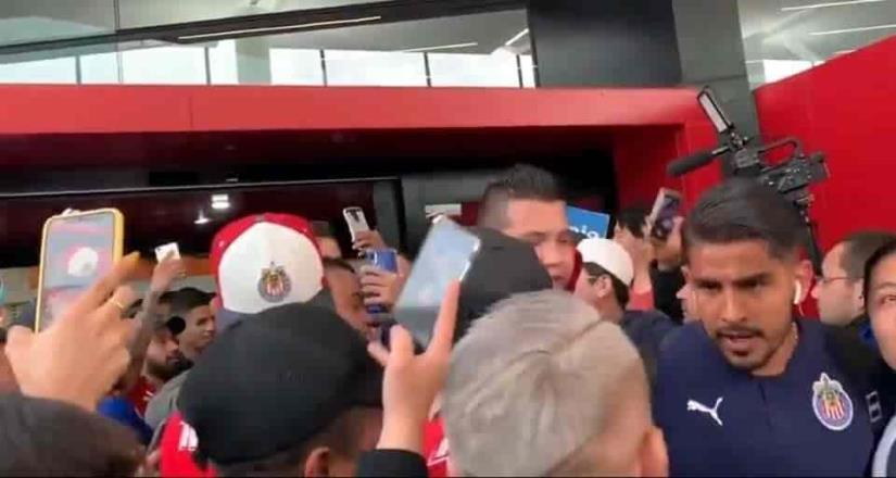 Miguel Ponce se encara con aficionado de Chivas en Tijuana