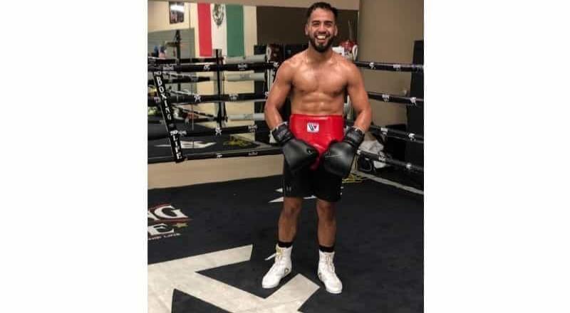 Ricardo López pelea en el CET