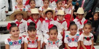 Realizaron demostración de bailables regionales