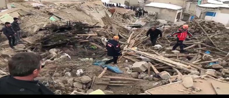 Un mortífero terremoto golpea Turquía e Irán