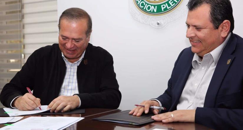 Firma Ayuntamiento convenio de colaboración con UABC