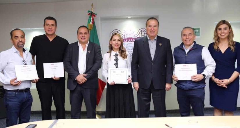 Otorgan empresarios donativos en efectivo y en especie al Ayuntamiento de Tijuana