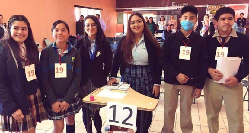 Involucran a los jóvenes en desafíos académicos