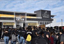 Universitarios de BC reciben beca de CETYS y CITYU para reforzar estudios en Seattle