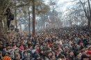 Enfrentamientos entre refugiados y la policía griega en la frontera con Turquía