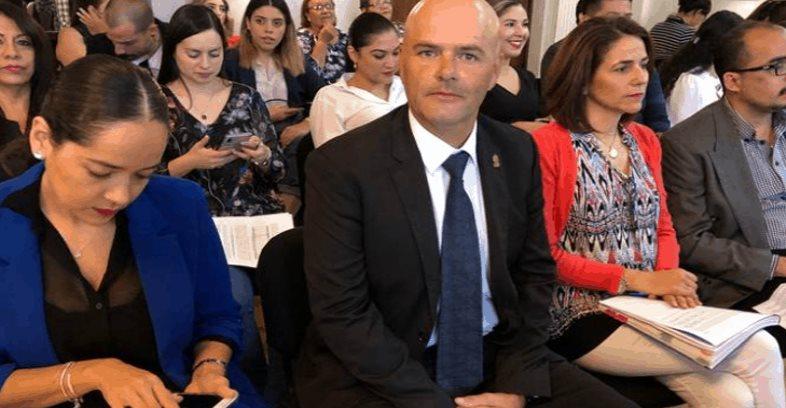 Funcionario chihuahuense bromea con el paro de mujeres; lo despiden
