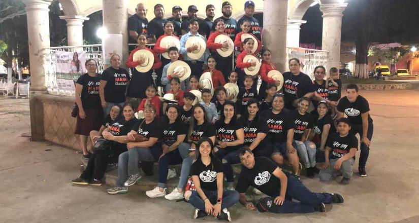 Acudieron bailarines de Camalú a festival de danza