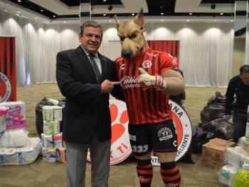 Recibe la FGE donación del Club Tijuana  Xoloitzuintles de Caliente