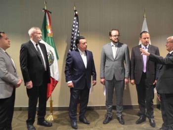 El fiscal del Estado se reúne con autoridades antinarcóticos y forenses de E.U.A