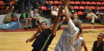 Baloncesto Veteranos Máster jugó en el Auditorio Municipal