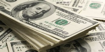 Dólar se vende debajo de los 25 pesos