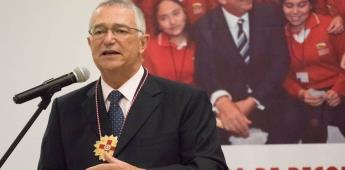 Salinas pide no sucumbir al miedo del COVID-19