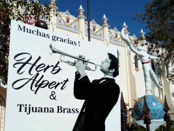Una canción por Tijuana