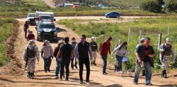 Entregan despensas casa por casa en la Gómez Morín