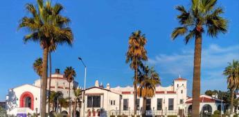 Remozan varias partes del histórico edificio del Riviera