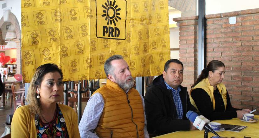 Reitera  PRD BC que regidor Quezada no representa al partido