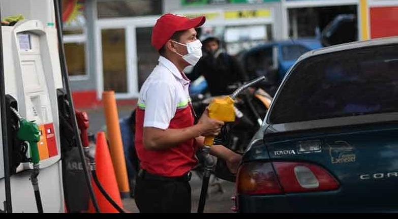 Desamparados trabajadores petroleros ante el Covid-19, hay alerta de contagios masivos